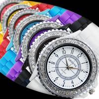 Klocka med kristaller och siliconarmband