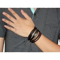 Armband med läderremmar